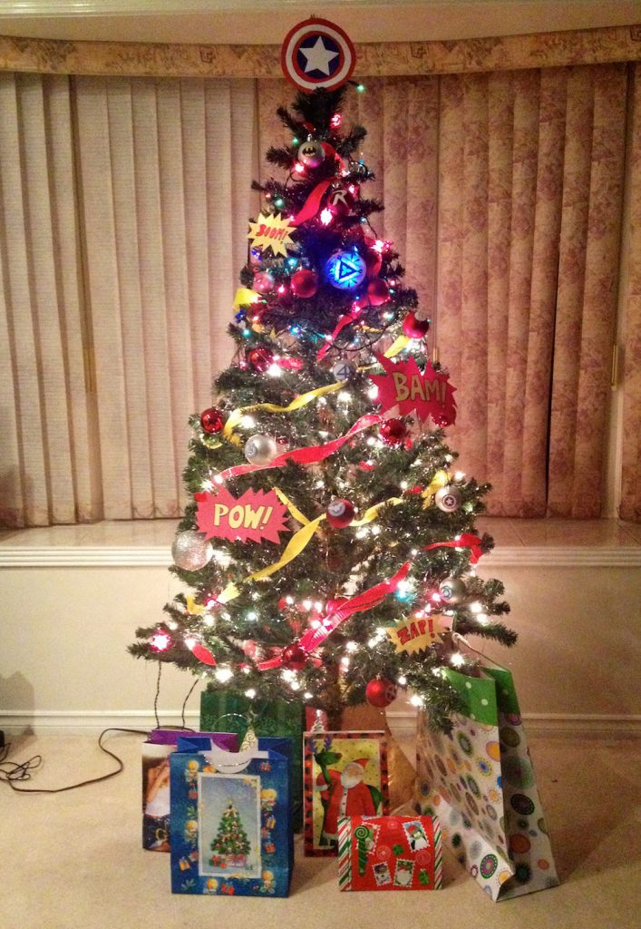 ho ho ho ly awesome christmas tree batman - Awesome Christmas Trees