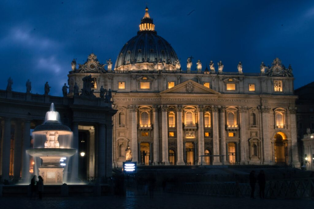 The incredible St Peter's Square lit up at night