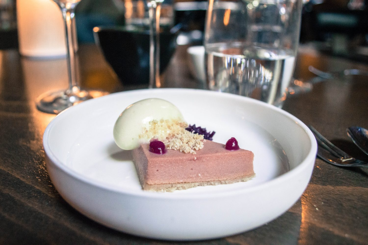 Wow such an epic and indulgent food experience in Amsterdam! High wine at the Dylan is an alcoholic take on afternoon tea, and consists of four wines paired with four delicious appetizers. A must try for any foodie visiting Amsterdam!