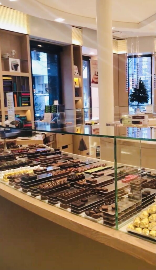 Chocolate del Rey shop in Antwerp with chocolate treats on display