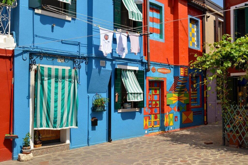 Casa di Bepi, a colourful home in Burano, Italy