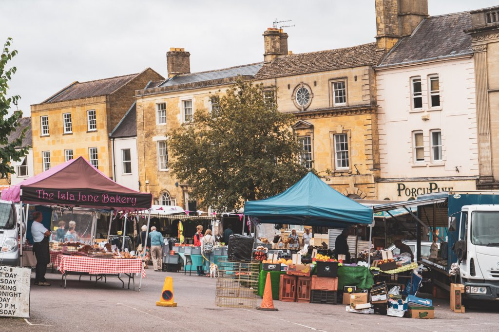 A farmer's market in the main square of Chipping Norton.