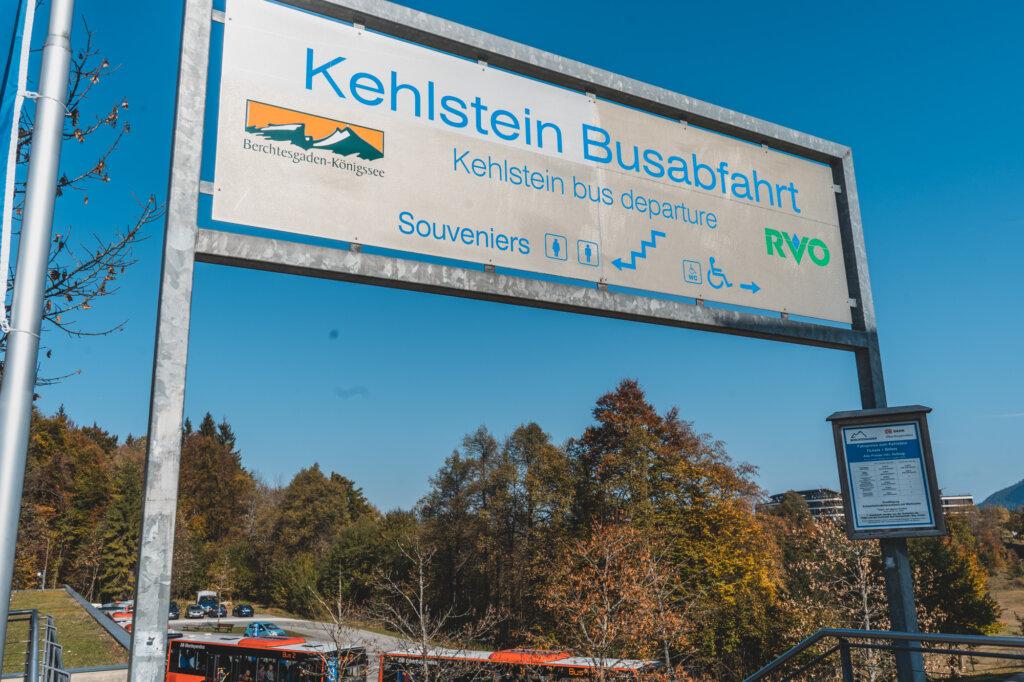 "Bus stop sign saying ""Kelhstein Busabfahrt"""