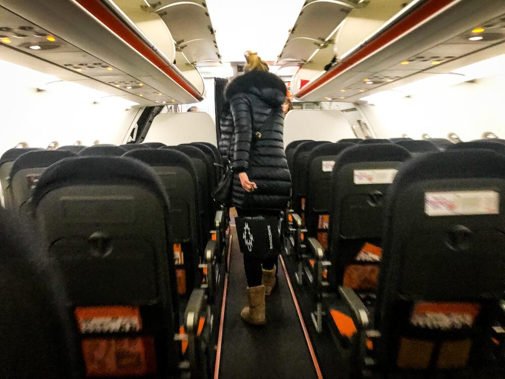 Woman unboading an easyJet flight