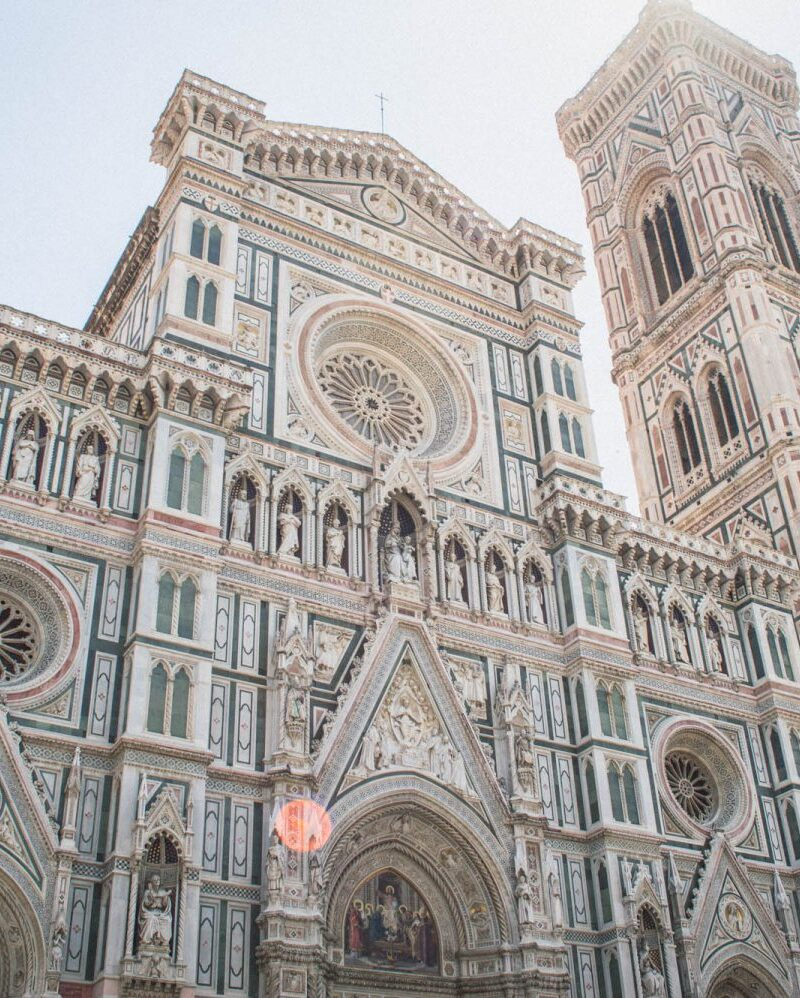 Florence, Italy is the perfect getaway spot for a girls' weekend! Click through for an awesome guide on how to fill your itinerary for a ladies' getaway in Florence.