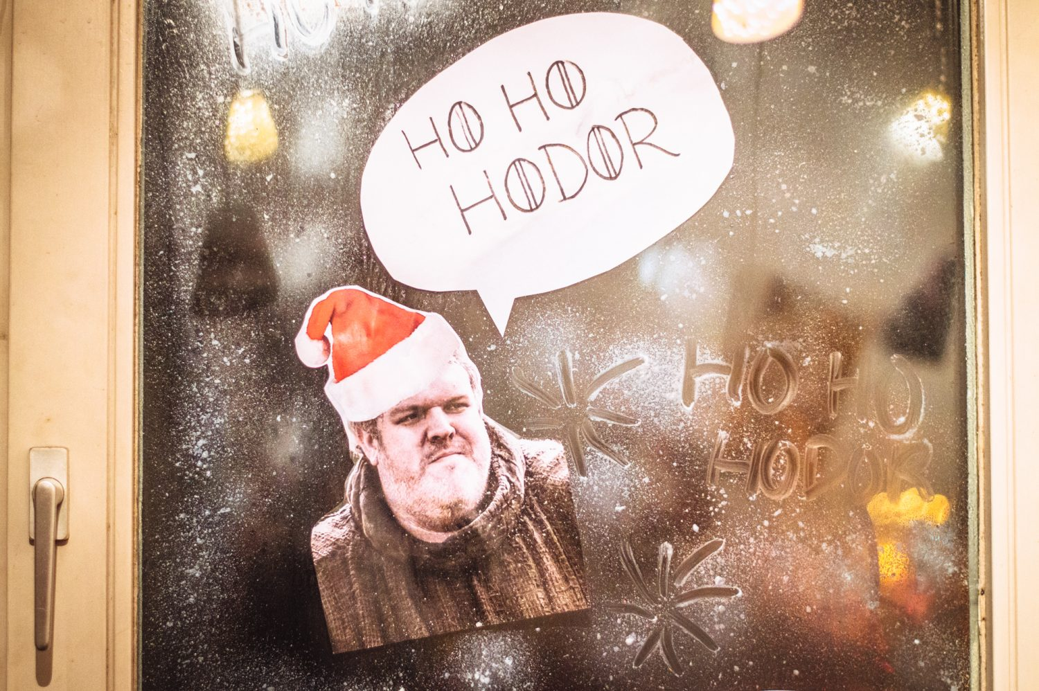 Game of Thrones Christmas inspiration! Click through to see awesome Game of Thrones Christmas decor filled with puns. #GameOfThrones #Puns #Christmas