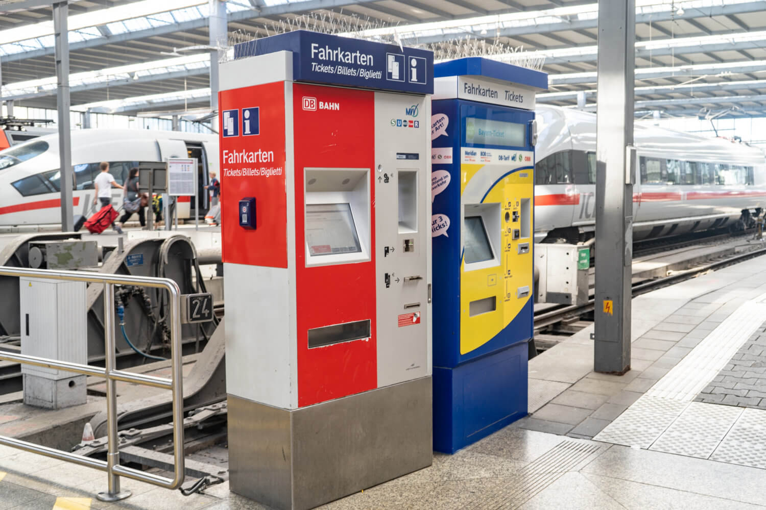 DB Ticket Machines that you can use to buy tickets for your Munich to Salzburg Day Trip