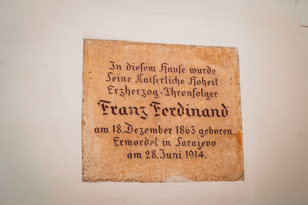 A plaque in Palais Khuenburg marking it as the birthplace of Franz Ferdinand