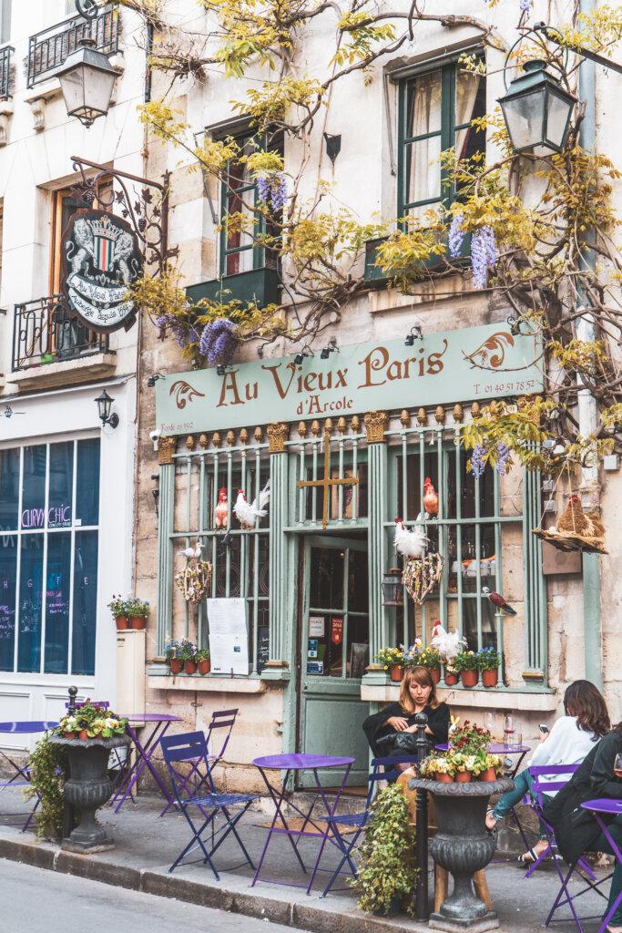 Beautiful cafe in Paris au Vieux Paris