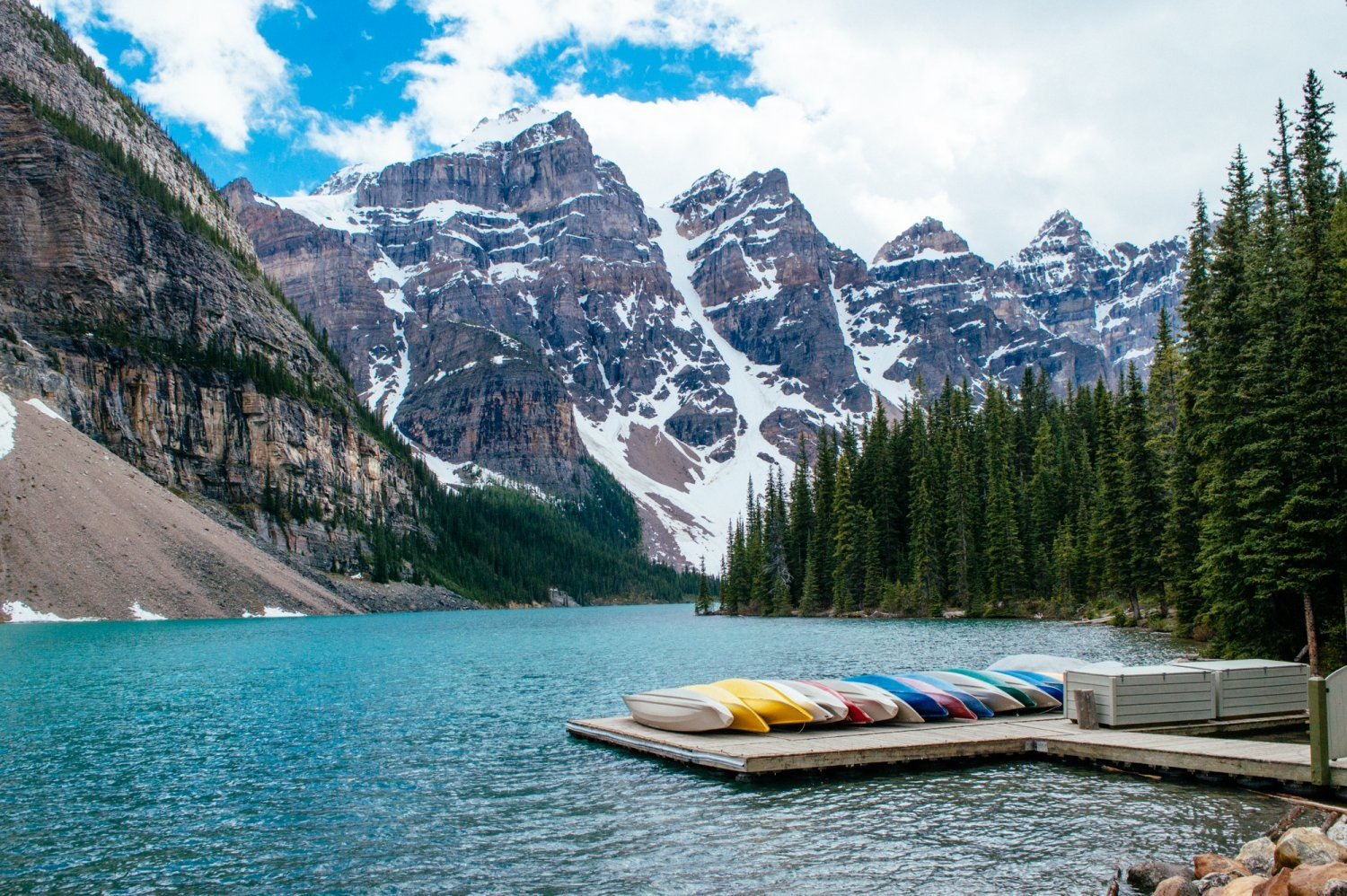 Absolutely stunning set of photos from Banff National Park in Alberta, Canada! These photo guide to Banff will have you booking a ticket immediately. Includes photos of Lake Louise, Lake Moraine, Peyto Lake and more. #Alberta #Canada #LakeLouise #PeytoLake #MoraineLake