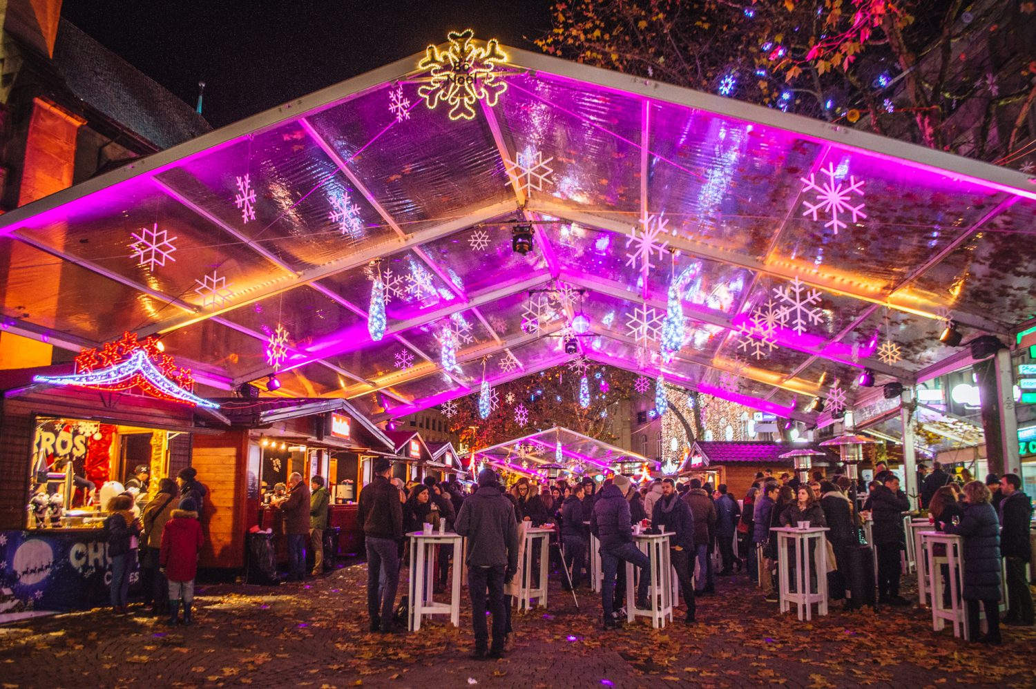 The BEST Christmas markets in Switzerland. If you're looking for a thorough and comprehensive Switzerland Christmas guide, this is it! The ultimate Switzerland Christmas market bucket list. #ChristmasMarkets #Switzerland #Europe #Christmas