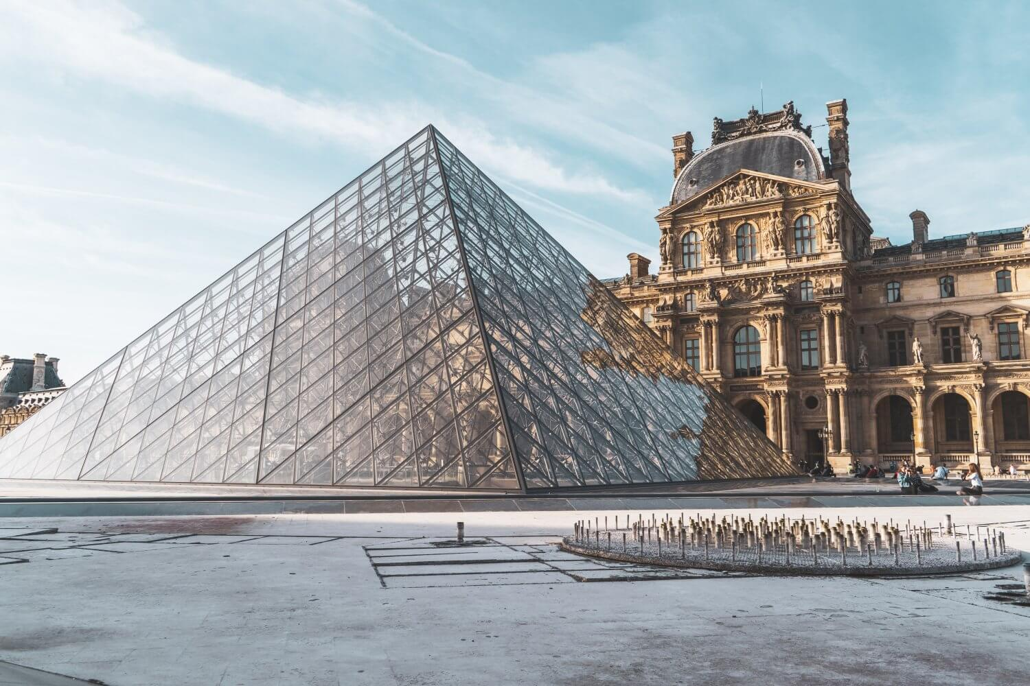 The Louvre museum, one of the most important Paris landmarks