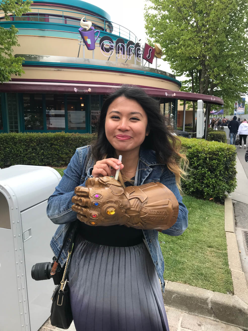 Thanos Infinity Gauntlet sipper at Disneyland Paris during the Marvel Season of Heroes