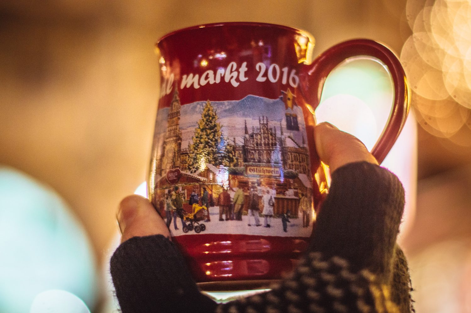 THE best and most thorough guide out there for Munich Christmas Markets! Don't miss this guide if you're planning on visiting Munich, Germany for Christmas Markets. Includes the best markets to visit, what to do, what to eat and more. #Munich #Germany #Christmas #ChristmasMarkets