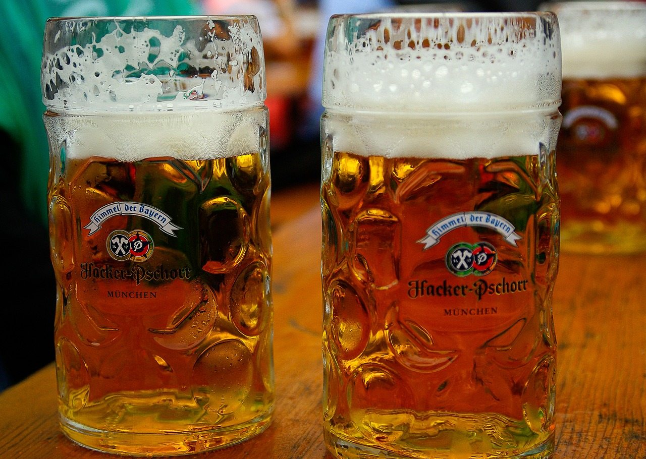 The ultimate girls' survival guide for Oktoberfest. If you're a woman attending Oktoberfest, be sure to read up on these safety/etiquette tips to ensure that you have the best Oktoberfest experience.