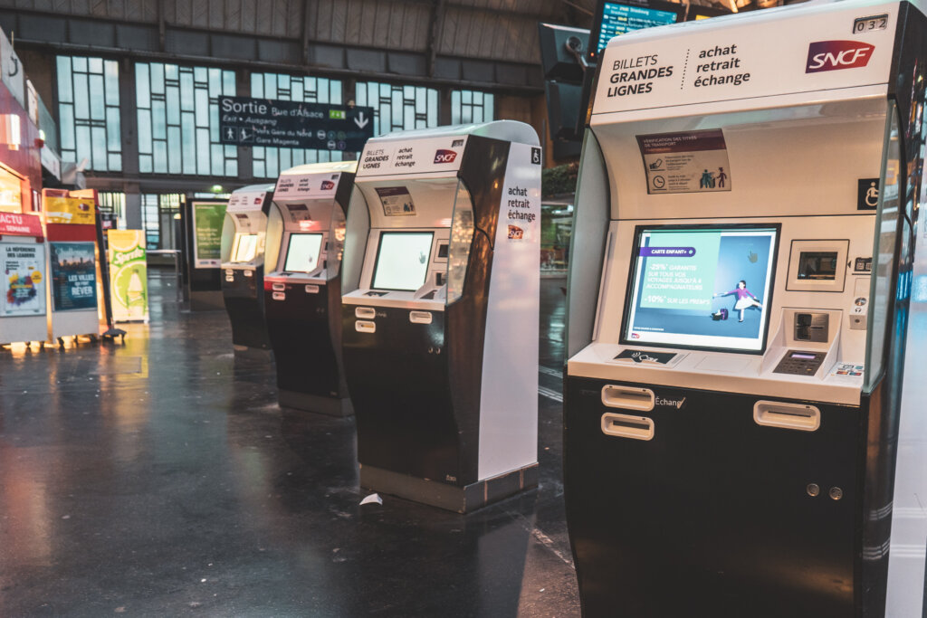 Train machines at Paris Est Station