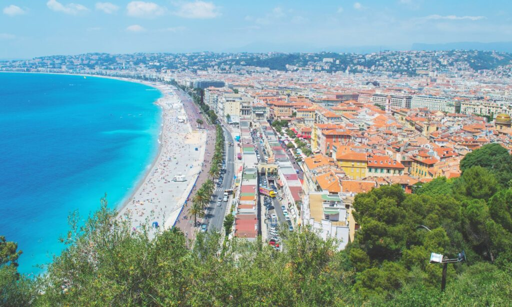 https://happytowander.com/wp-content/uploads/Incredible-Destinations-to-see-in-France.jpg