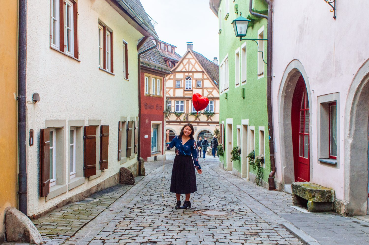 You NEED to read this article if you plan to travel in Germany. These important must-knows are crucial if you are planning that Germany trip! #Germany #travel #Europe #traveltips