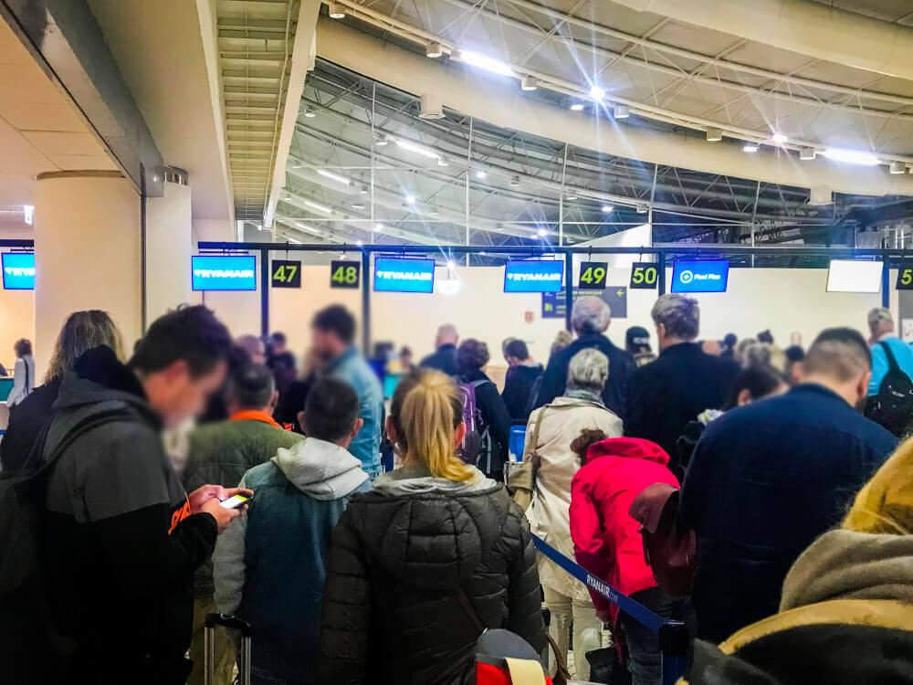 RyanAir check in desks at Faro Airport
