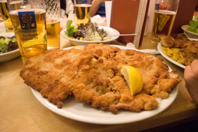 Massive schnitzel from Steinheil 16