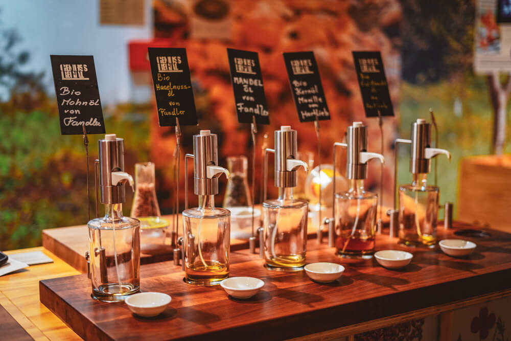Nut oil tasting at Vinofaktur Genussregal